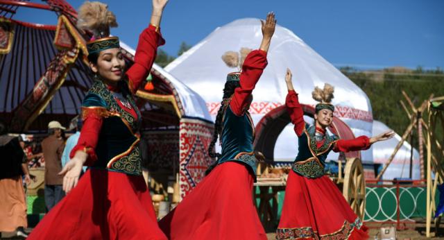 Белые юрты среди гор и юбилей Золотой Орды: что делал Токаев в Улытау