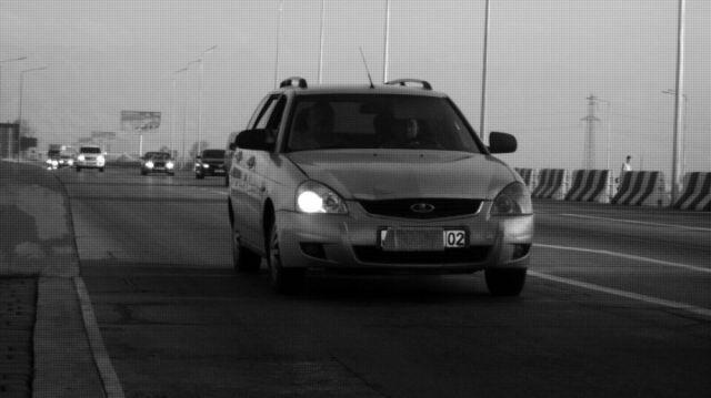 Казахстанцы завешивают номера бумагой и хомутами, чтобы не платить на дорогах