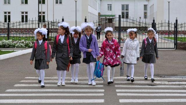 Кто в ответе за ребенка по дороге из школы домой, рассказал Министр образования РК