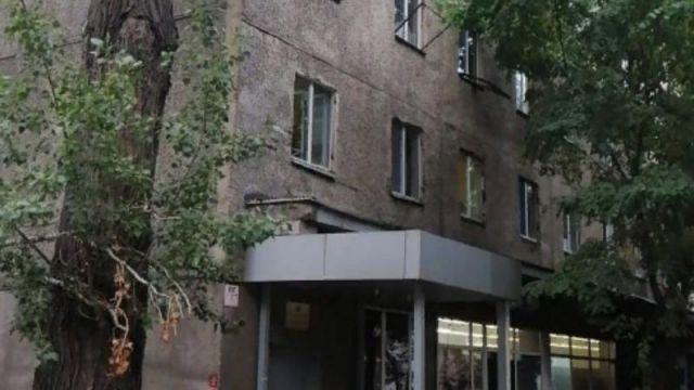 Бывшие преподаватели КазНИТУ не дают ремонтировать общежитие