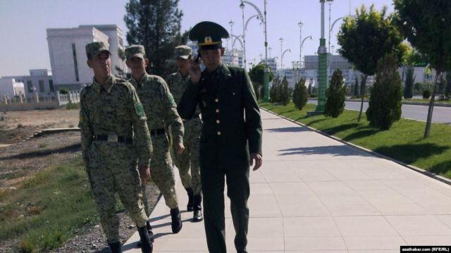 """Скончавшийся в туркменской армии солдат стал жертвой """"дедовщины"""""""
