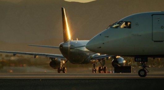 Касымбек назвал причину дорогих авиабилетов