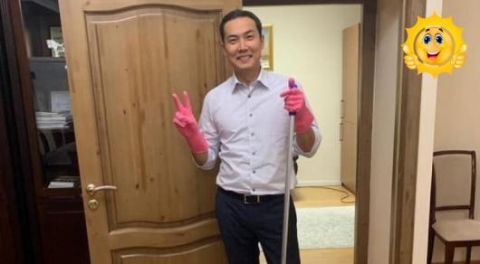 Уборка в школе: Ануар Жангозин запустил необычную эстафету