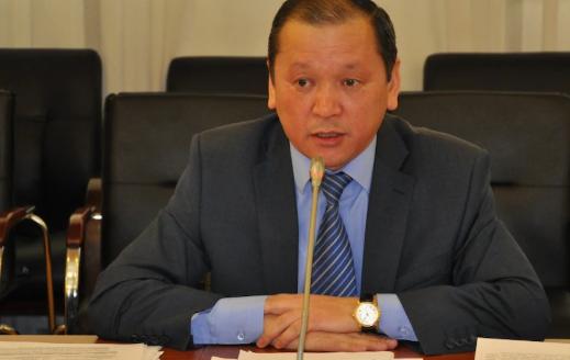 «Получали меньше иностранцев в 1,5-2 раза»: глава минтруда о зарплатах казахстанцев
