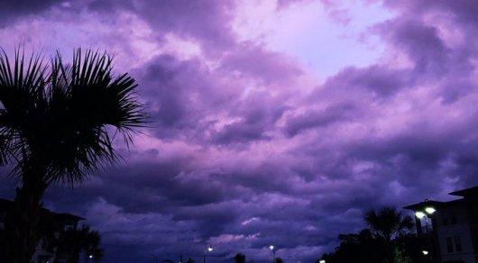 """Ураган """"Дориан"""": Отец смотрел, как сына уносят воды, кишащие акулами"""
