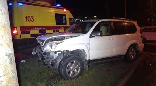 Внедорожник сбил трех человек после ДТП в Алматы