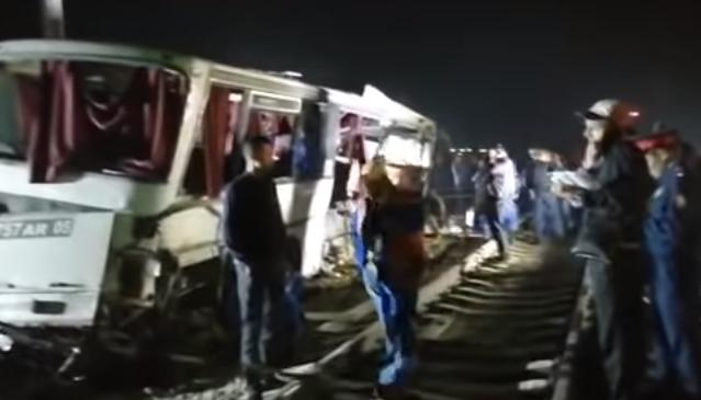 Жители Алматинской области требуют построить мост после ДТП с поездом