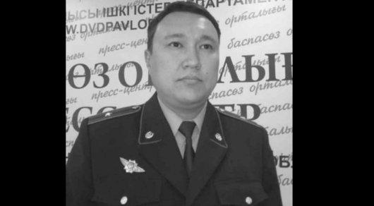Тело повешенного полицейского нашли в одном из гаражей в Павлодаре