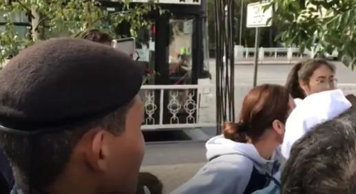 """Столичная полиция прокомментировала видео с """"задержанием девочки"""""""