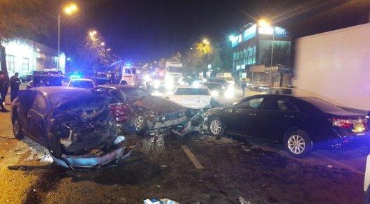 Крупное ДТП в Алматы: пострадало 7 человек