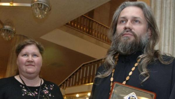 Уроженца Казахстана, священника с 70 приемными детьми, обвинили в сексуальном насилии
