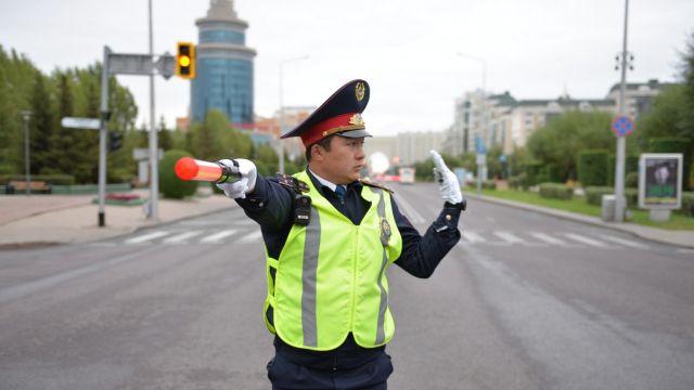 Полицейским вернули жезлы