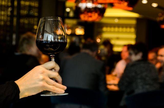 Пьяные казахстанцы устроили драку в отеле в ОАЭ