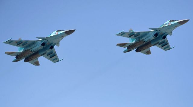 Два истребителя-бомбардировщика Су-34 столкнулись в небе под Липецком