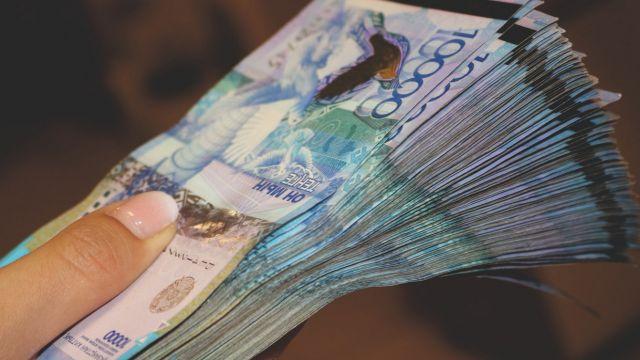 В Казахстане повысили предельную ставку по несрочным вкладам