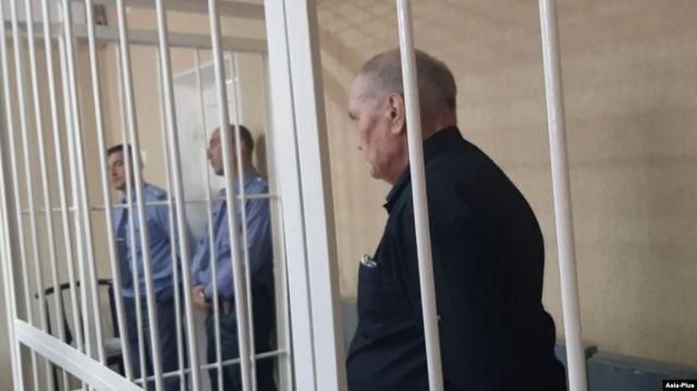 """В Таджикистане члена """"Свидетели Иеговы"""" осудили на 7,5 лет после спора о Наврузе"""