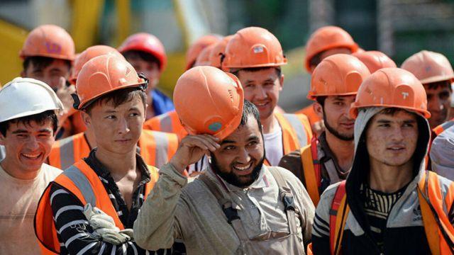 В Шымкенте рабочие одного из ТОО пожаловались на то, что их заменили рабочими  из Китая, Кыргызстана и Узбекистана