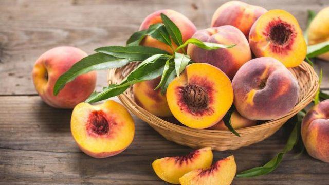 Персик свежий. Как водитель без документов на рынке продал четыре тонны фруктов