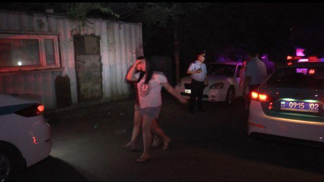 Ловят ли полицейские Алматы вместе с проститутками и сутенеров