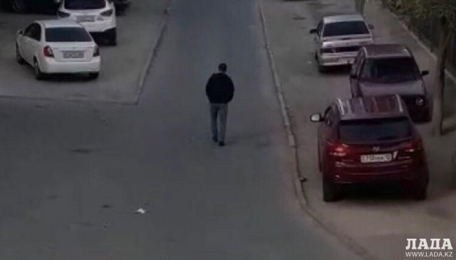 «Докапывался» до детей: Полиция Актау проверяет распространяемую родителями в чатах видеозапись