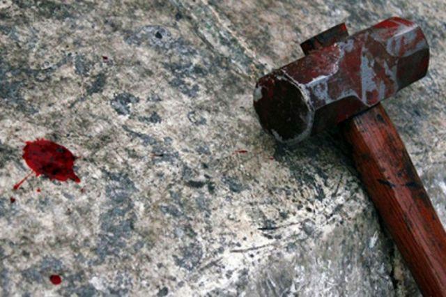 Жительницу Туркестанской области подозревают в убийстве свекрови. У нее изъяли орудие преступления – молоток