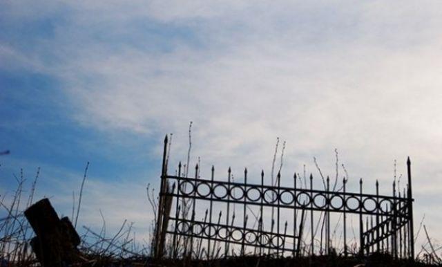 Серийного расхитителя кладбищ поймали в Акмолинской области
