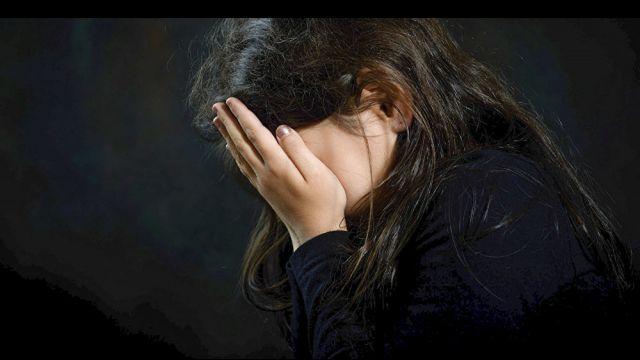 Насиловал семь месяцев. 13-летняя девочка забеременела от приемного отца