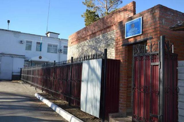Мать осужденного обвиняет сотрудников следственного изолятора Костаная в издевательстве над сыном в извращенной форме