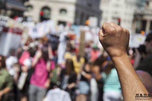 Активисты Актау планируют провести мирный митинг из-за повышения тарифов