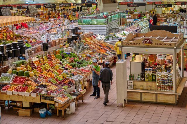 Сотрудники рынков Нур-Султана могут остаться без работы