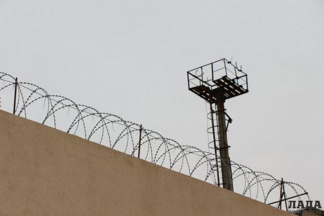 Заключённый в актауской тюрьме зашил себе рот