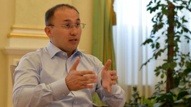 Даурен Абаев прокомментировал митинги многодетных матерей в столице