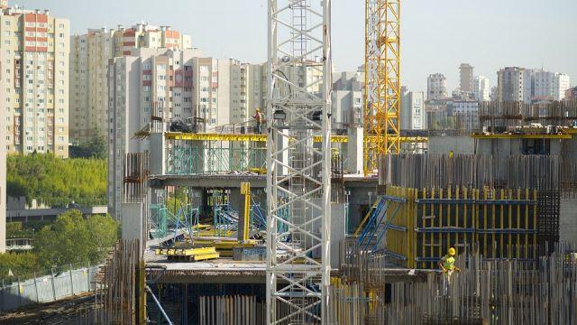 Рабочий упал с высоты и разбился насмерть в Павлодаре
