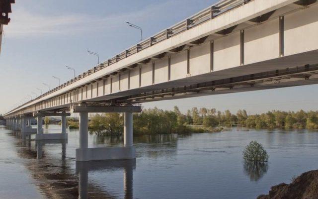 Женщина спрыгнула с моста в Костанае