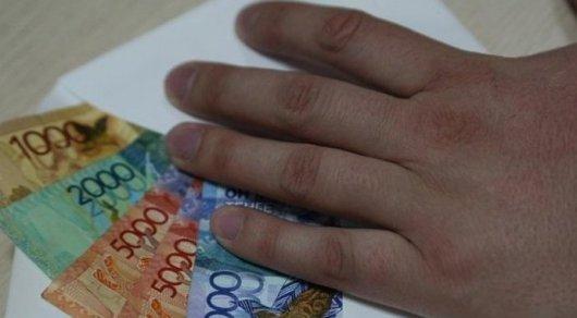 Чиновника из Туркестанской области заподозрили в мошенничестве