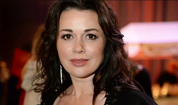 Директор Заворотнюк выступил с обращением на счет слухов о смерти актрисы