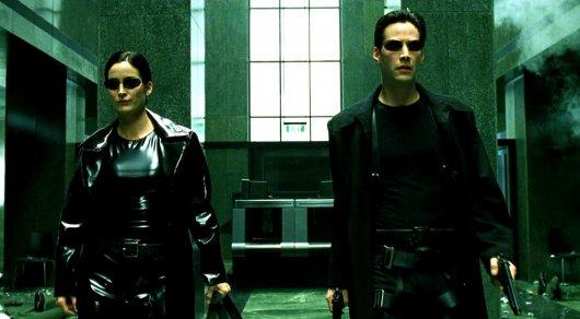 """Warner готовит сразу два новых фильма по """"Матрице"""""""