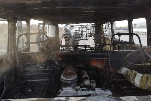 Школьный автомобиль сгорел в Актобе