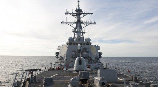 Американский эсминец с ракетами вошел в Черное море