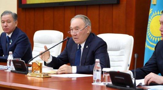 """""""Наплодили юристов и экономистов"""" - Назарбаев о казахстанских вузах"""