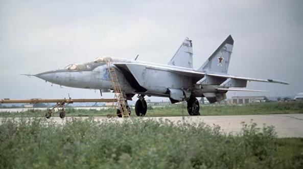 Американские СМИ рассказали об истребителе, напугавшем НАТО