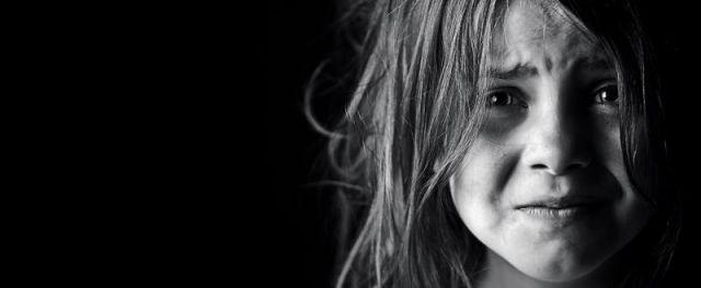 Родители изнасиловали собственного ребенка и пригласили на шабаш друзей