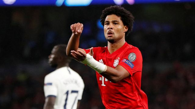Герой матча «Бавария» «Тоттенхэм» хотел забрать мяч после матча, но что-то пошло не так