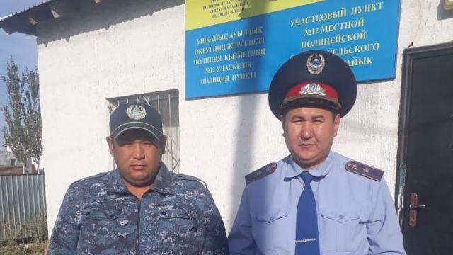 В Туркестанской области женщина родила в полицейской машине