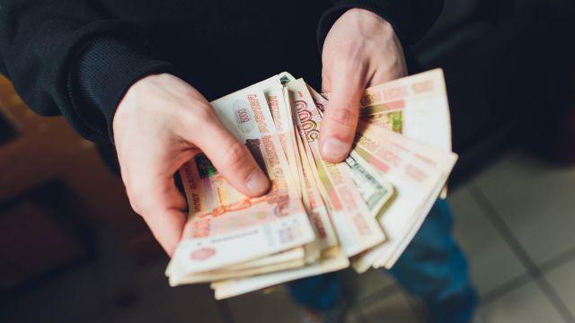 Мошенники по телефону обманули пенсионера на миллион рублей
