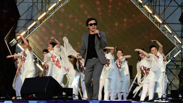 В Казахстане хотят законодательно запретить петь под фонограмму