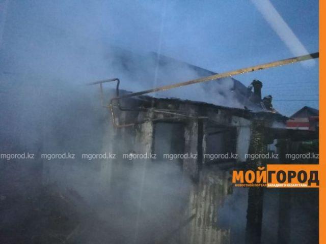 Человек заживо сгорел в частном доме в Уральске