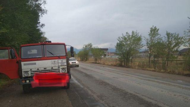Более 14 тонн бензина АИ-92 незаконно перевозили в Алматинской области