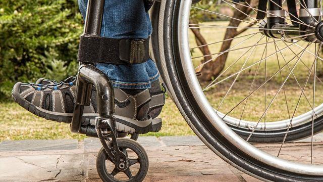 Детям-инвалидам Павлодарской области не хватает колясок
