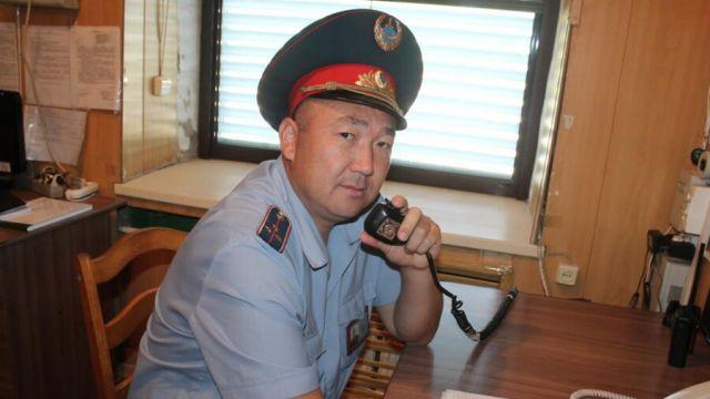 В Павлодаре награжден полицейский, спасший трех тонувших сестер